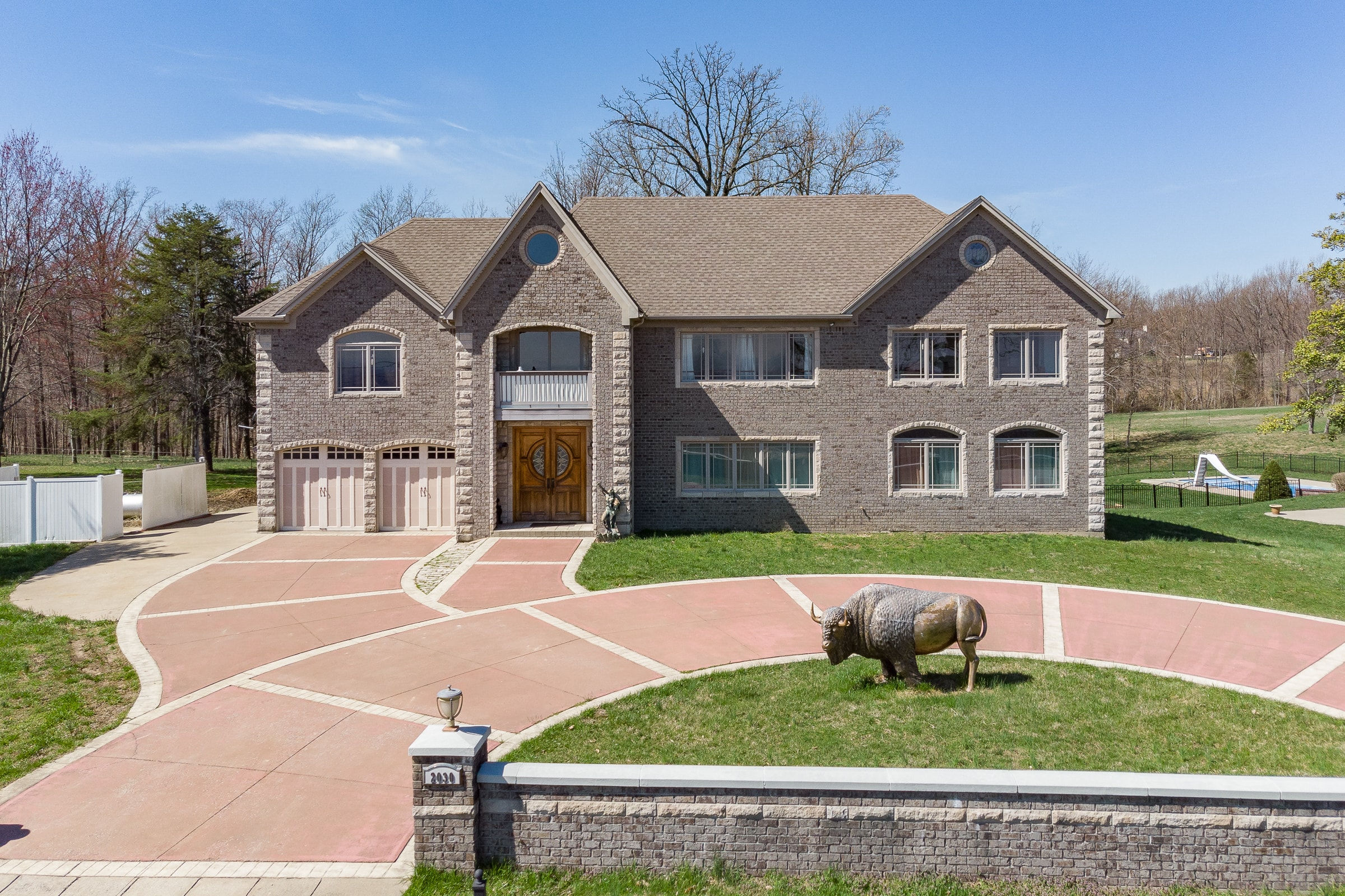 Custom Home On 4.19 Acres With Louisville Panoramic View
