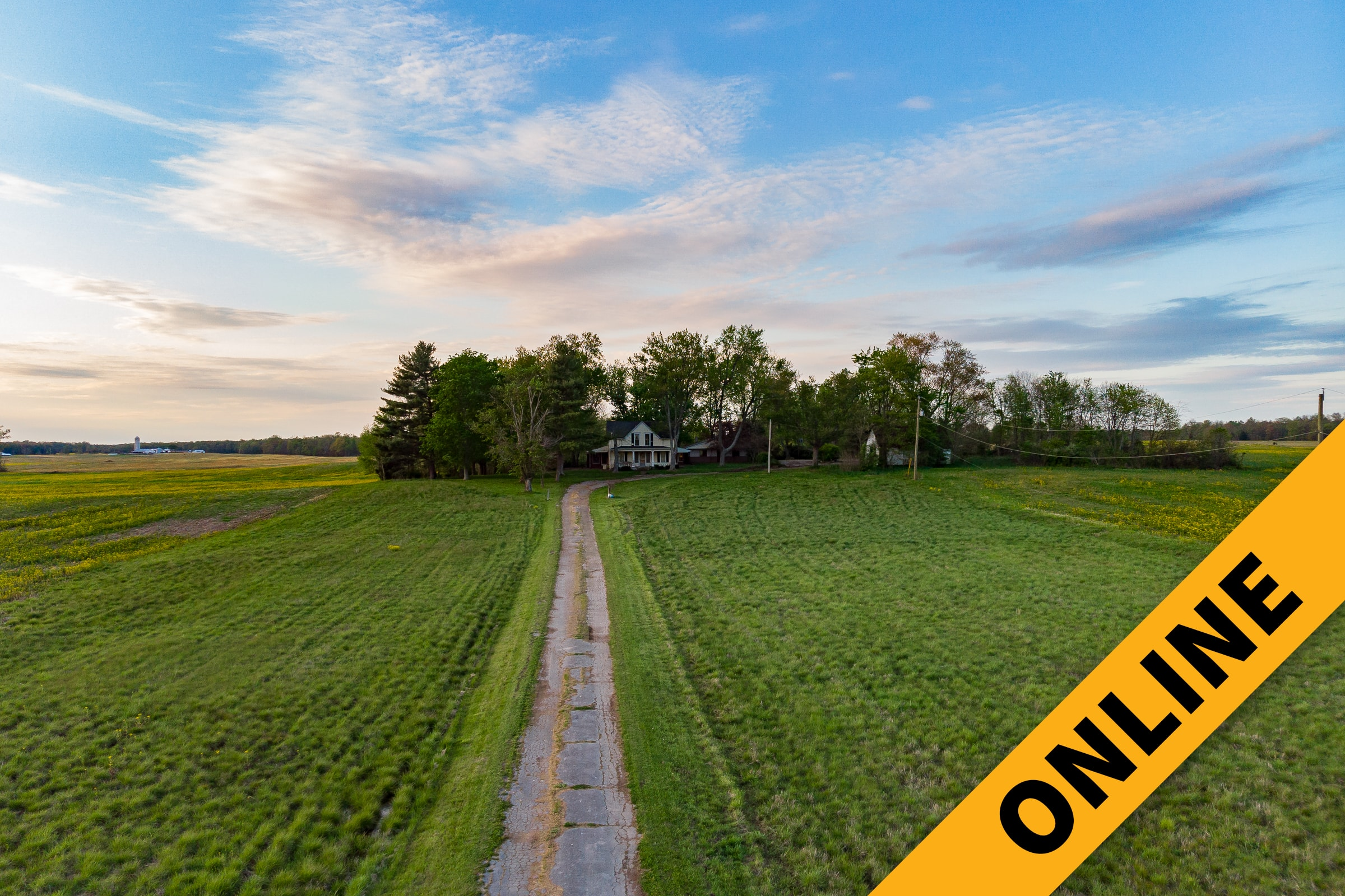 No Reserve Farmhouse On 7 Acres Online Auction