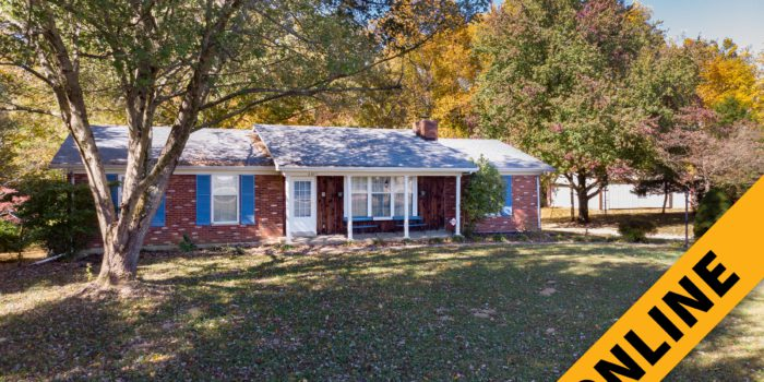 Floyds Knobs 4 Acre Home & Barn Online Auction